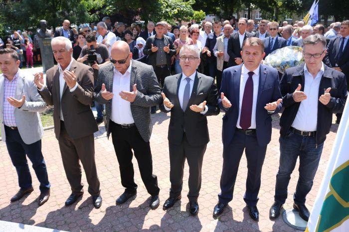 Ministar Bukvarević čestitao 9. maj: Fašizam i nacizam su pobijeđeni ali ne i iskorijenjeni