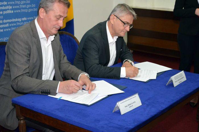Potpisan Sporazum o isporuci 60 automobila za ratne vojne invalide 100% prve grupe